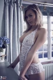 Summer-St-Claire-Shes-a-Show-Off-l6sqkapvgn.jpg