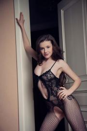 Emily-Bloom-Dunesa-b6tdb7v0n7.jpg