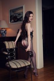 Emily-Bloom-Dunesa-j6tdb8fepv.jpg