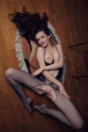 Emily-Bloom-Dunesa-g6tdbjngf5.jpg